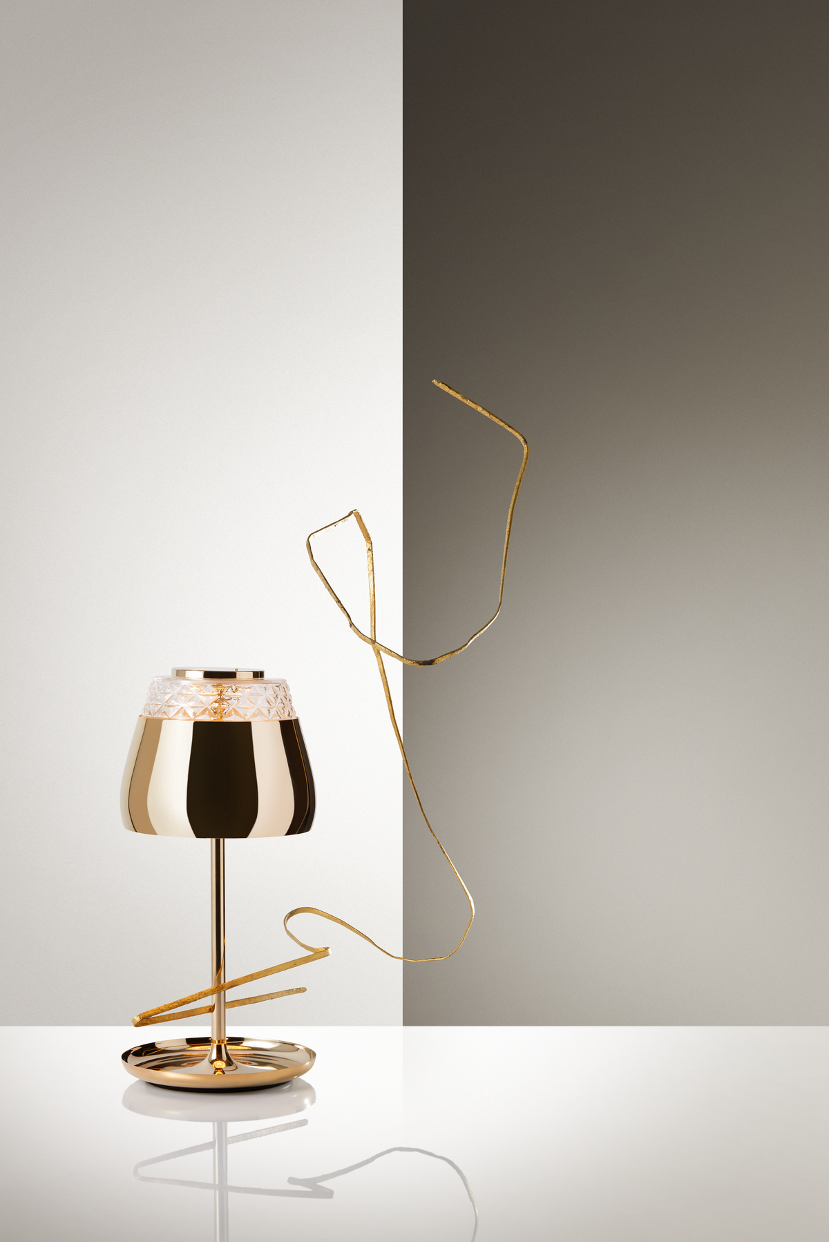 Poetic composition Valentine Table Lamp gold