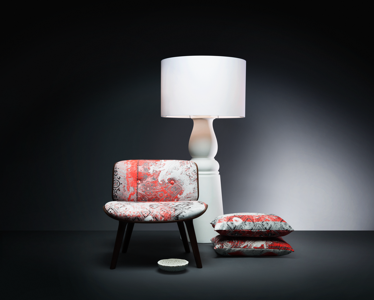Poetic composition Nut Chair, Farooo floor lamp white and pillows