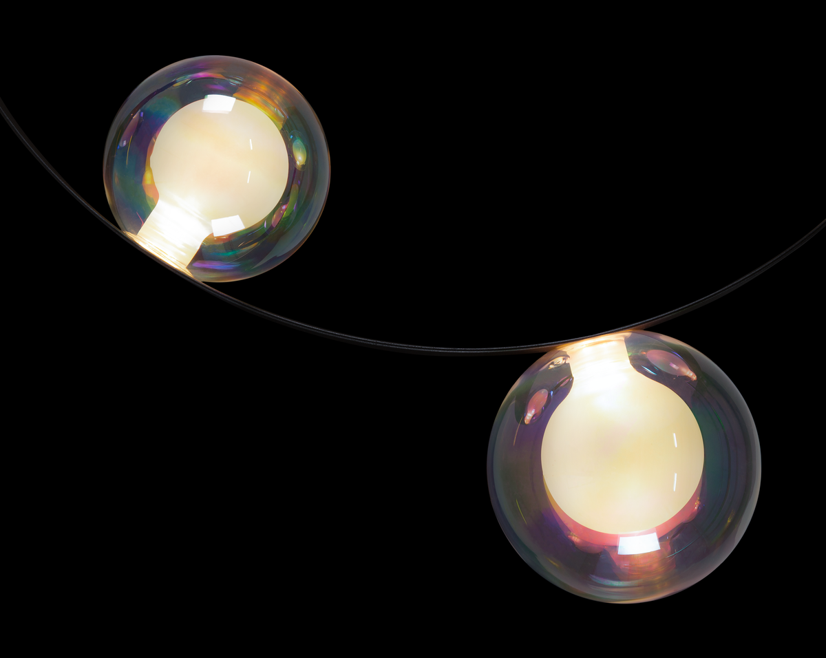 Hubble Bubble Oil suspension light detail 1 black background