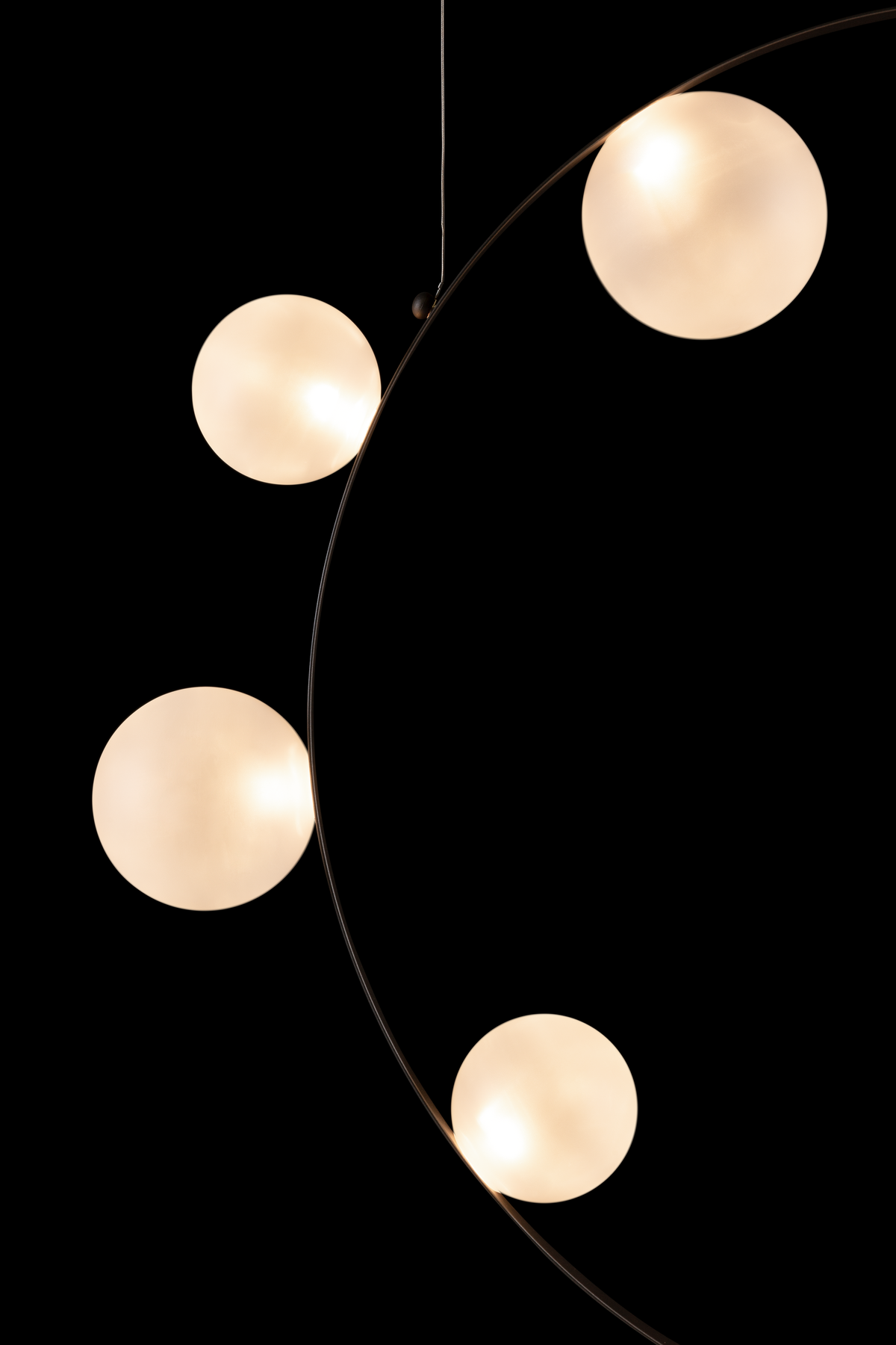 Hubble Bubble Frosted suspension light detail 1