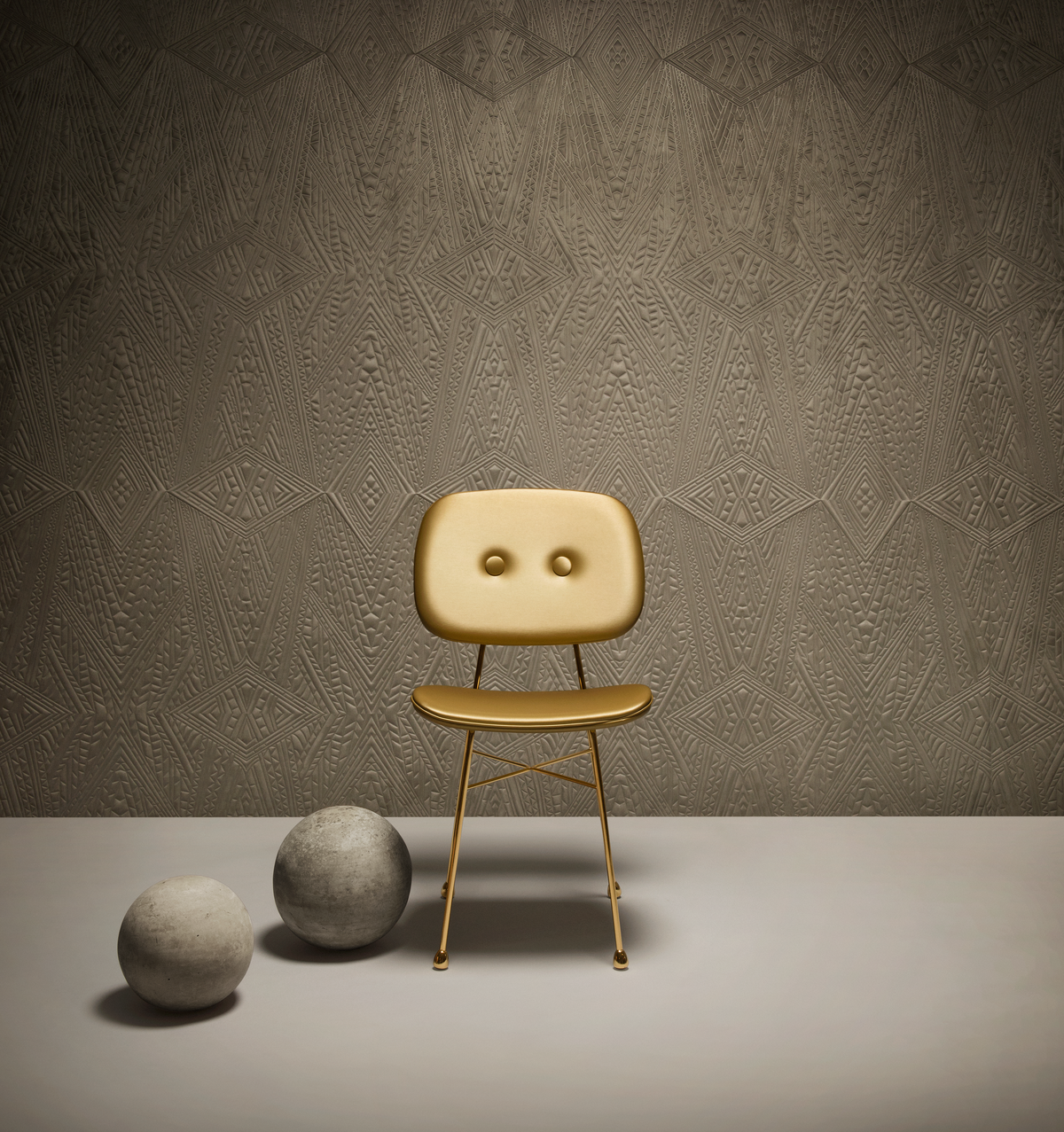 Poetic composition The Golden Chair and Moooi Wallcovering