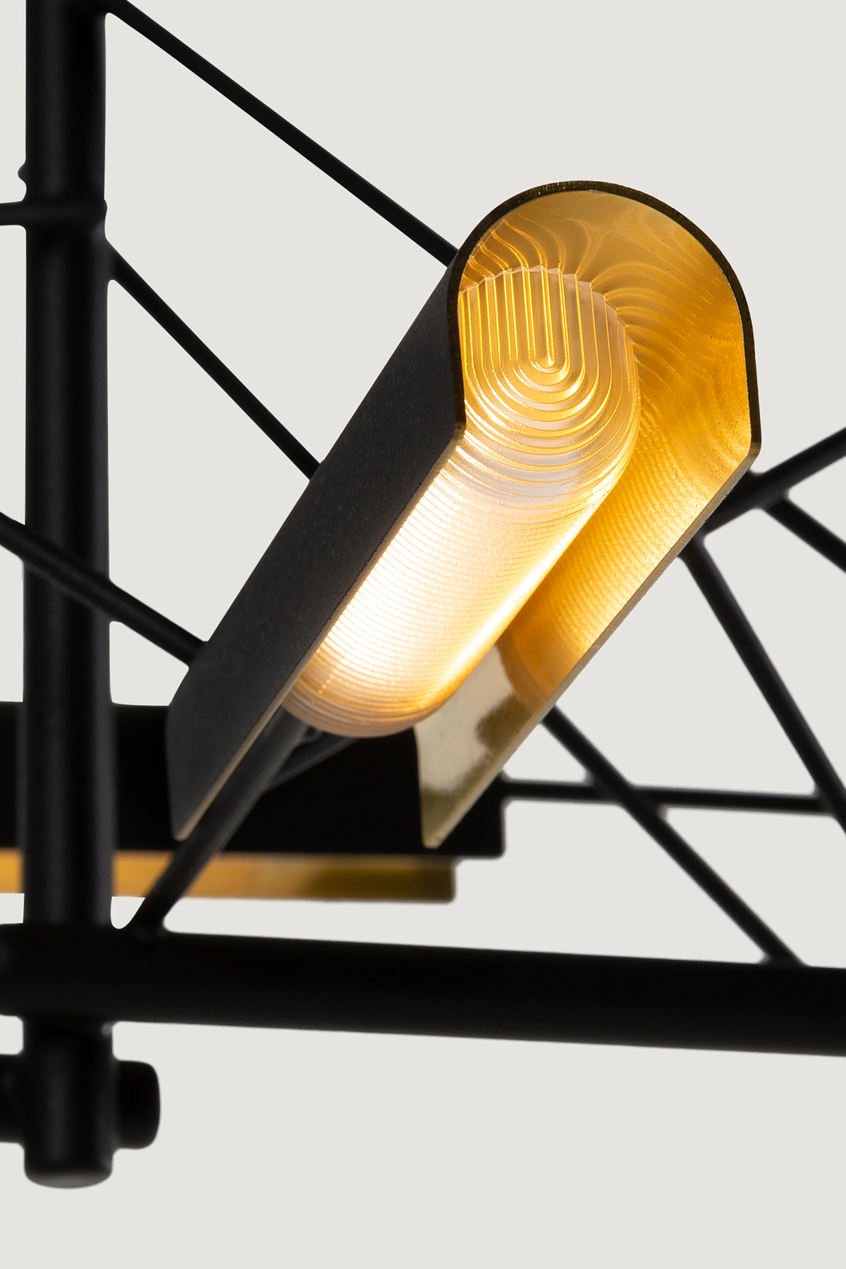 Tinkering suspension light detail