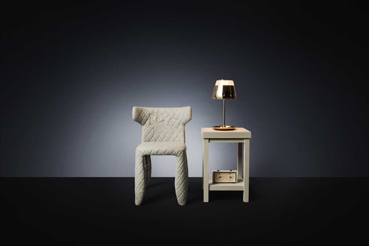 Poetic composition Monster Chair, Paper Side Table and Valentine Table Lamp gold