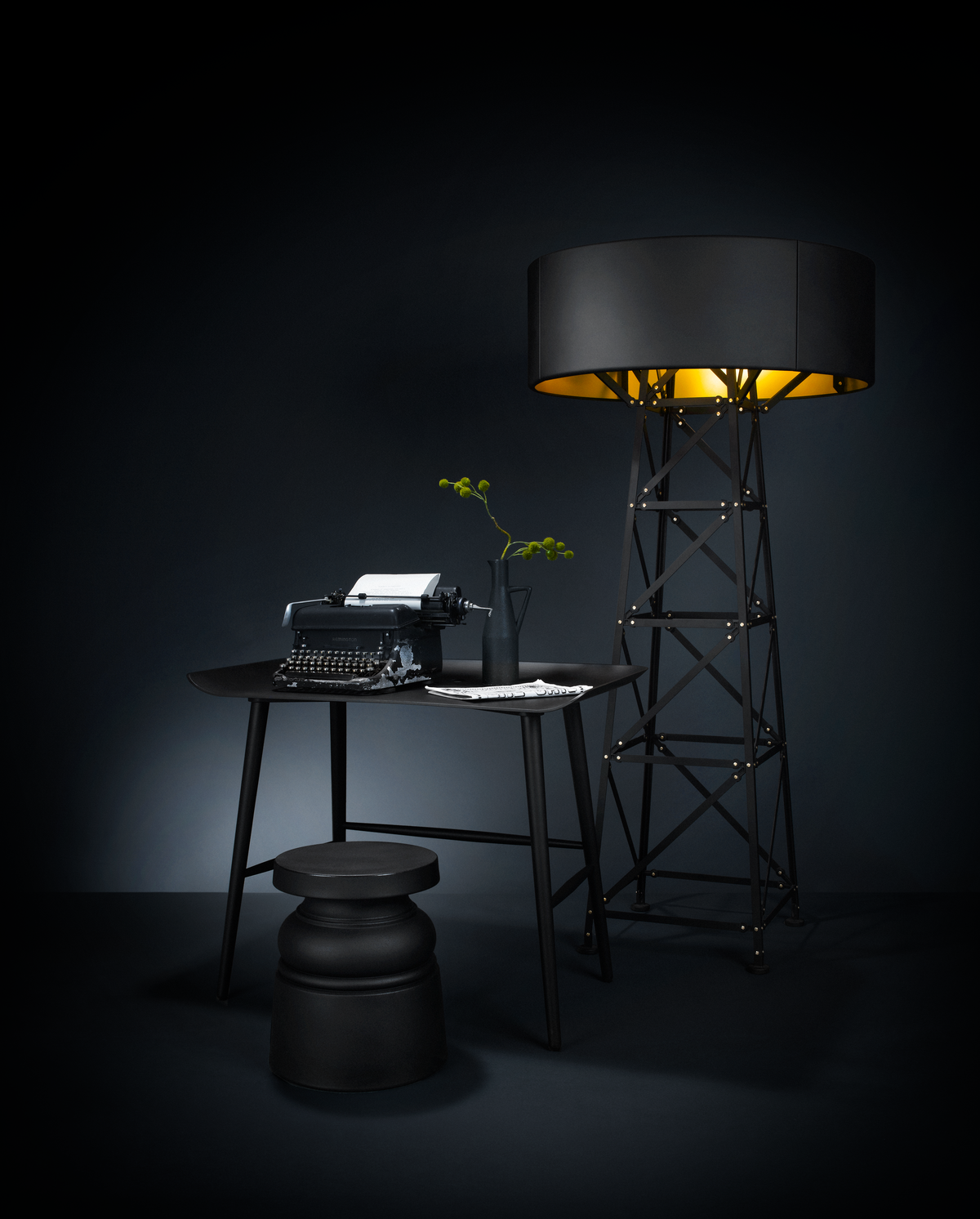 Woood table with the construction lamp large and the container stool