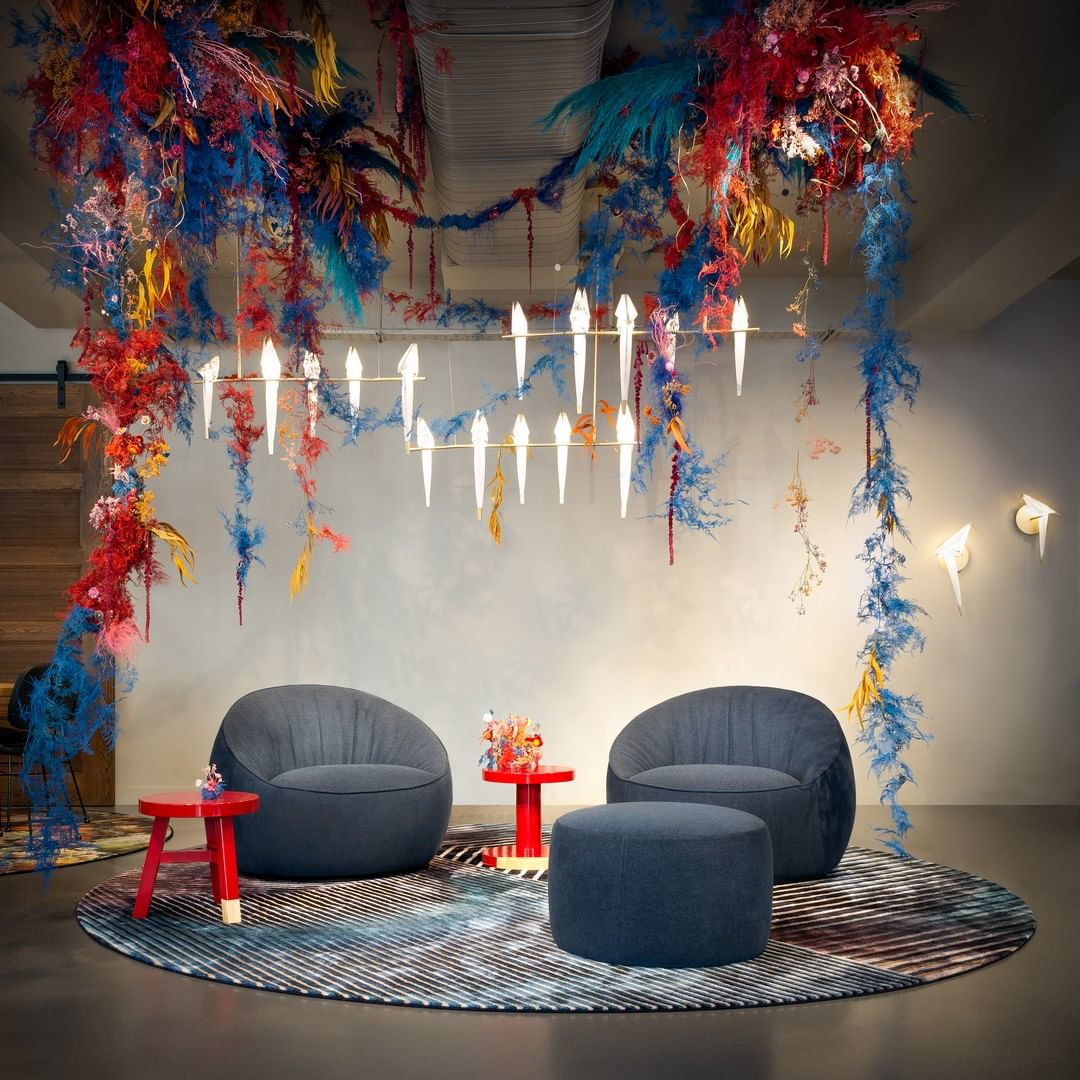 The lowback Hana in the London brandstore of Moooi.